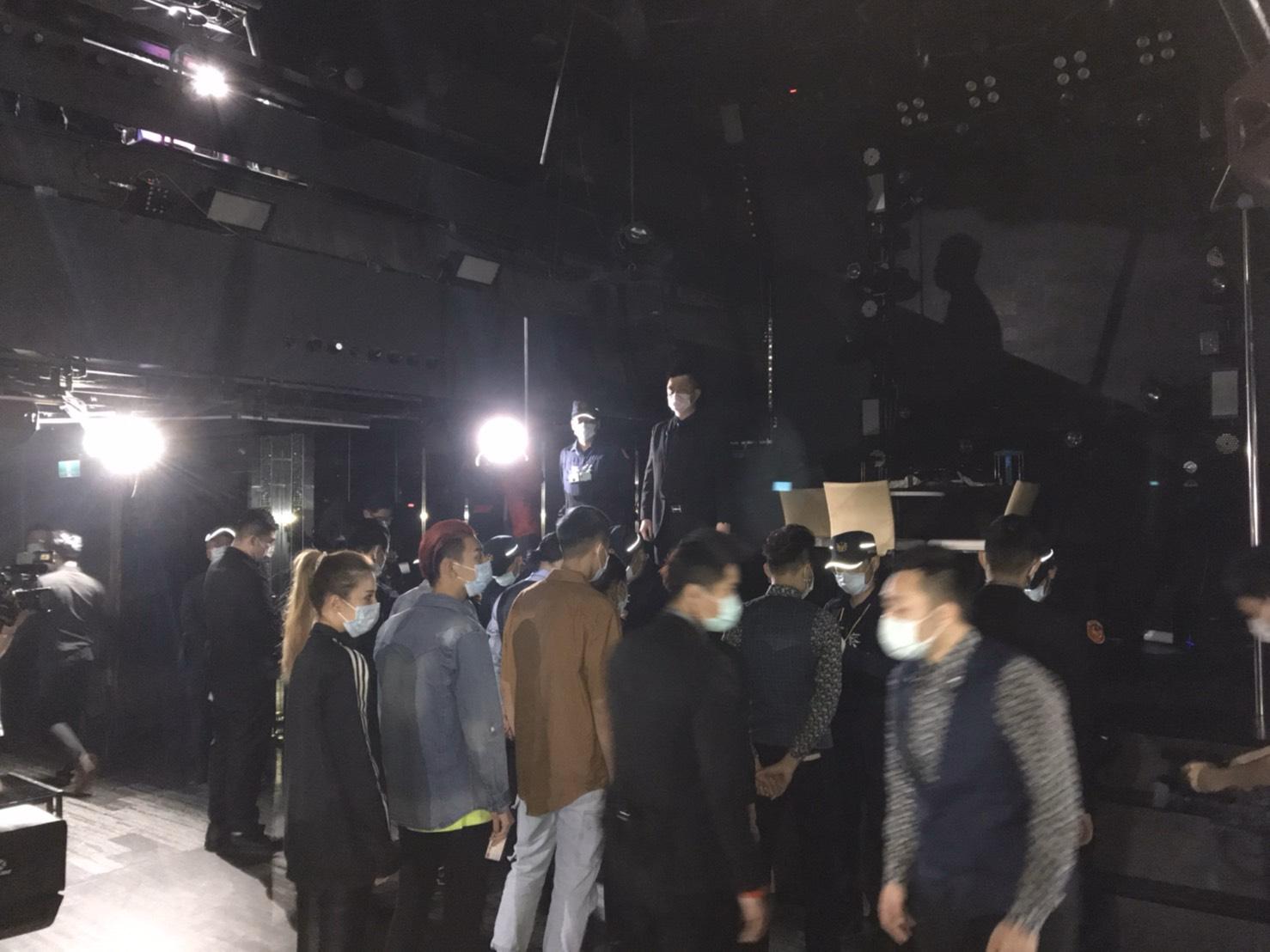 圖文:台中市警局結合衛生、民政守護臺中堵防疫破口。(孫崇文翻攝)