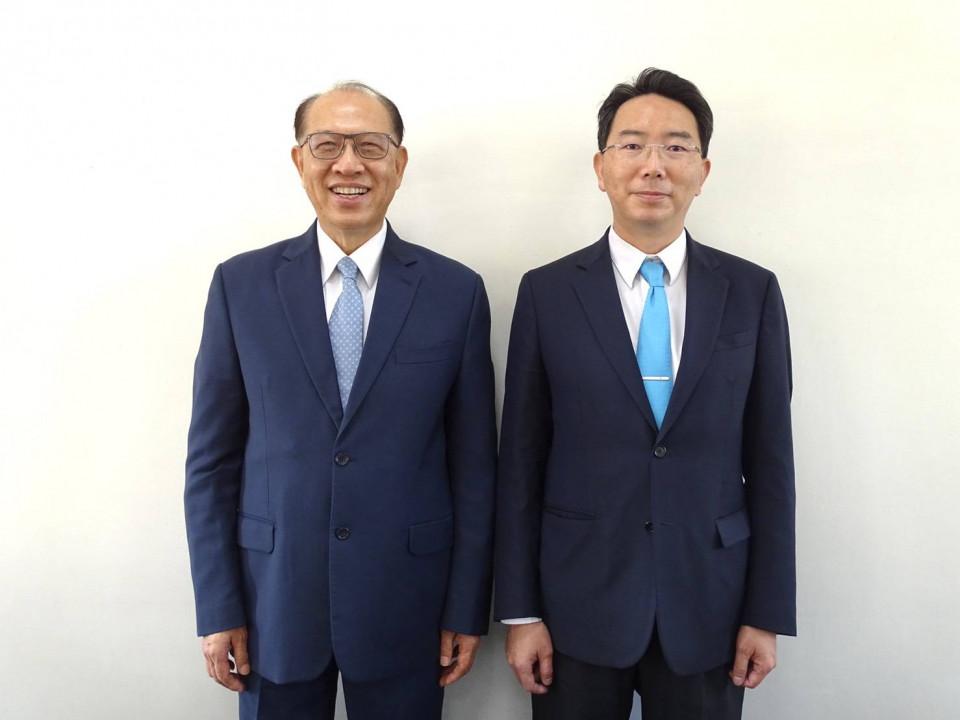 圖左:上銀科技總裁卓永財,圖右:上銀科技董事長卓文恒